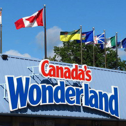 BOXED_Canadas-Wonderland-entrance