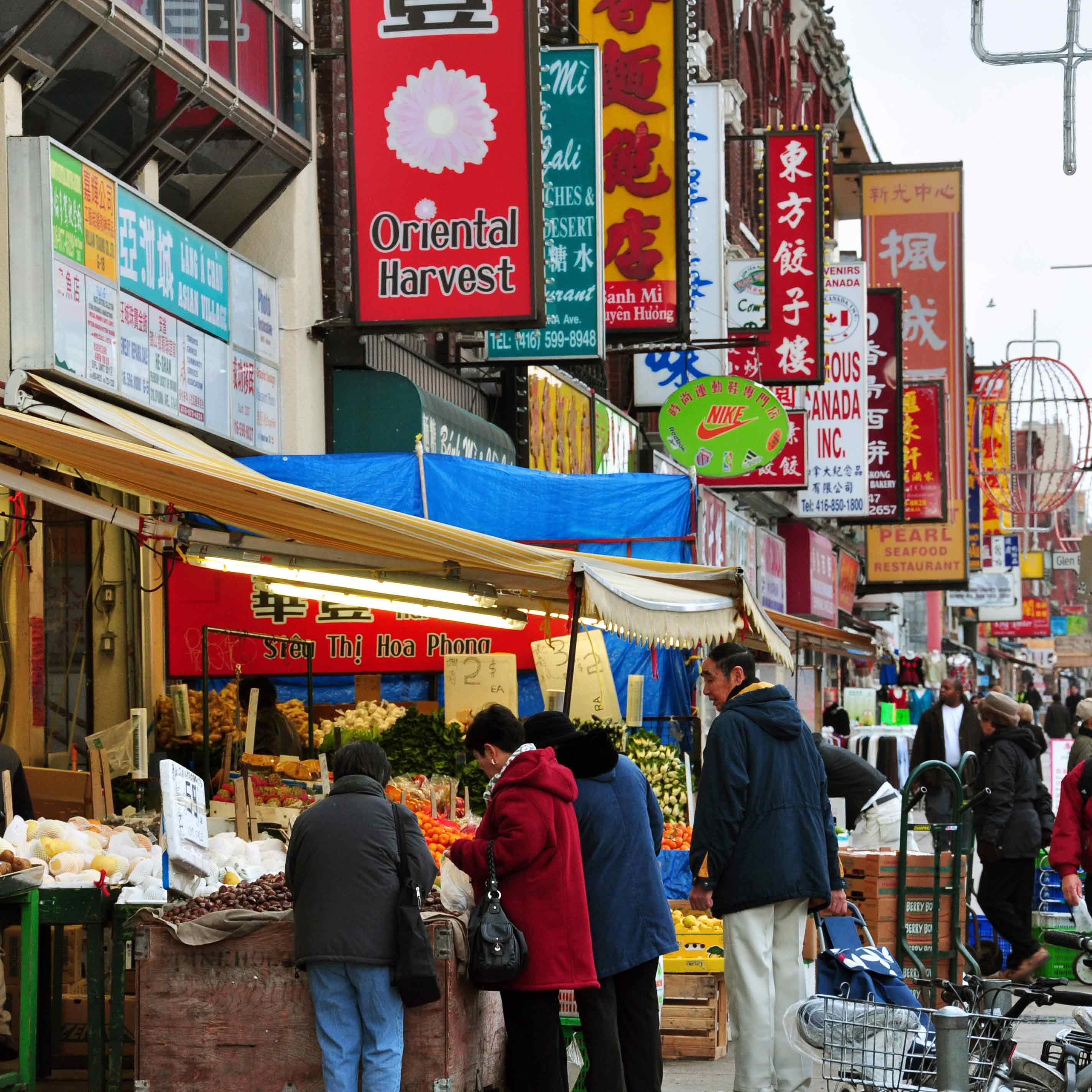 Chinatown_toronto_spadina_avenue_SQ
